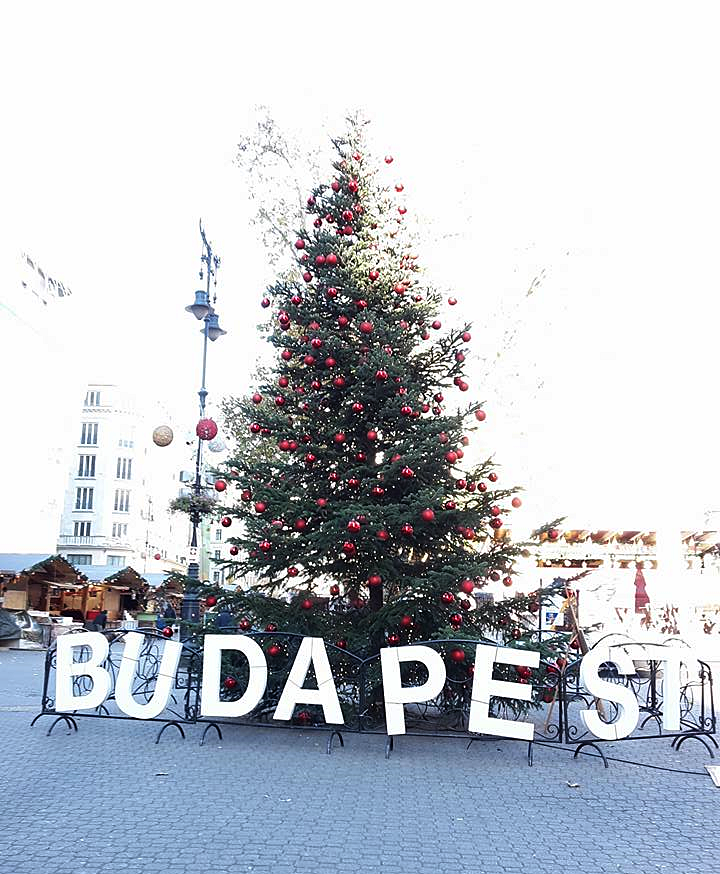 The Christmas Market in Budapest (in pictures)