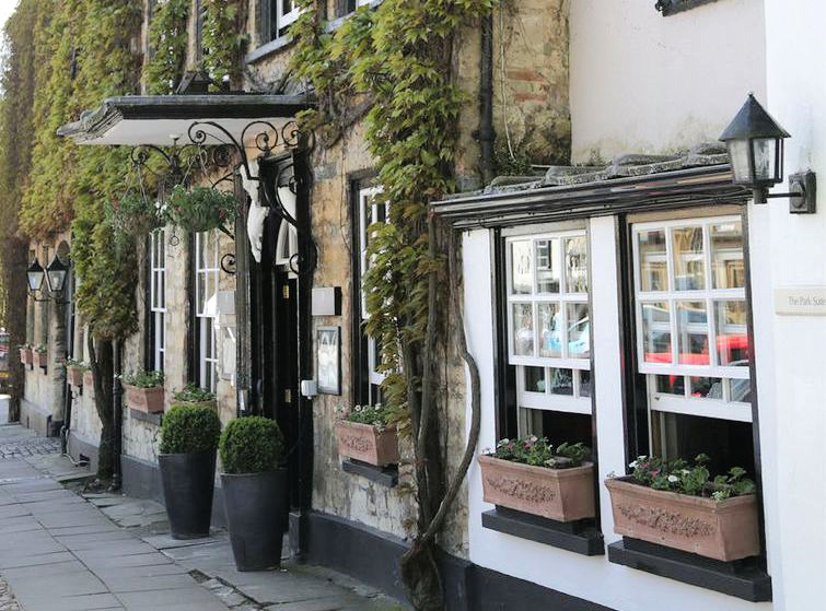 24 Hours in Woodstock, Oxfordshire